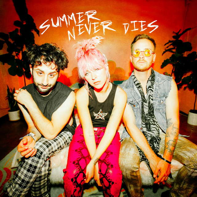 """The Foxies - """"Summer Never Dies"""""""
